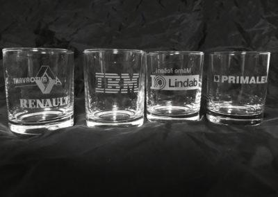 firemni sklenice s logem